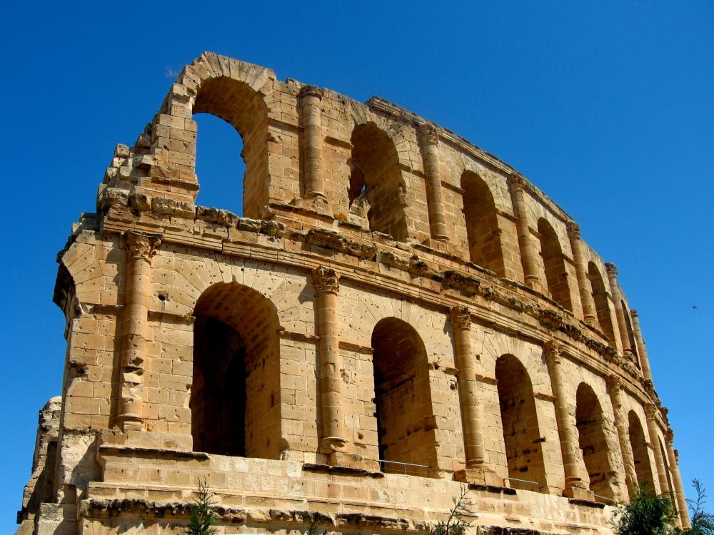 The Roman Amphitheater at El Djem  (3/6)